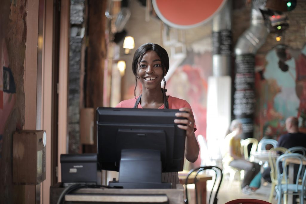 how to choose the right pos software and point of sale systems for your company
