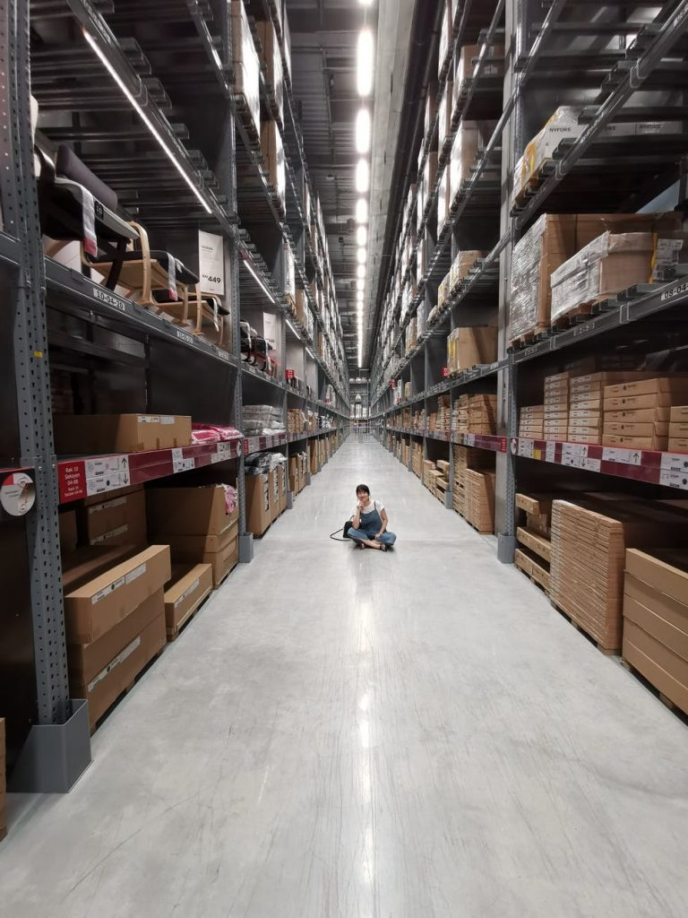 a quick guide on the difference between inventory management and inventory control systems
